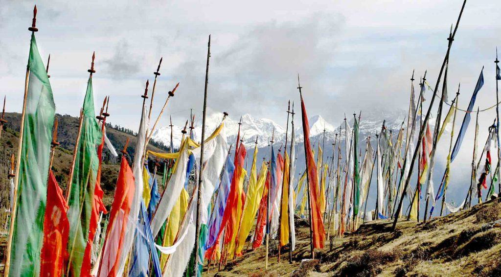 Prayer-Flags-bhutan