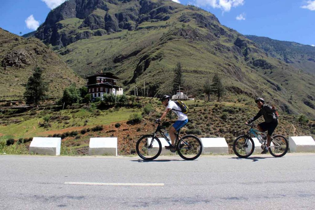 cycling-in-bhutan